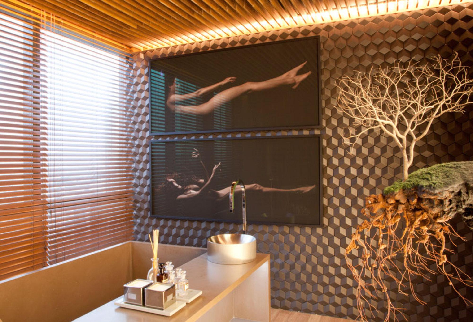 Imagens de #A96C22 GUILHERME TORRES MOSTRA BLACK Casa de Valentina 2000x1364 px 3614 Banheiros Sociais Pequenos