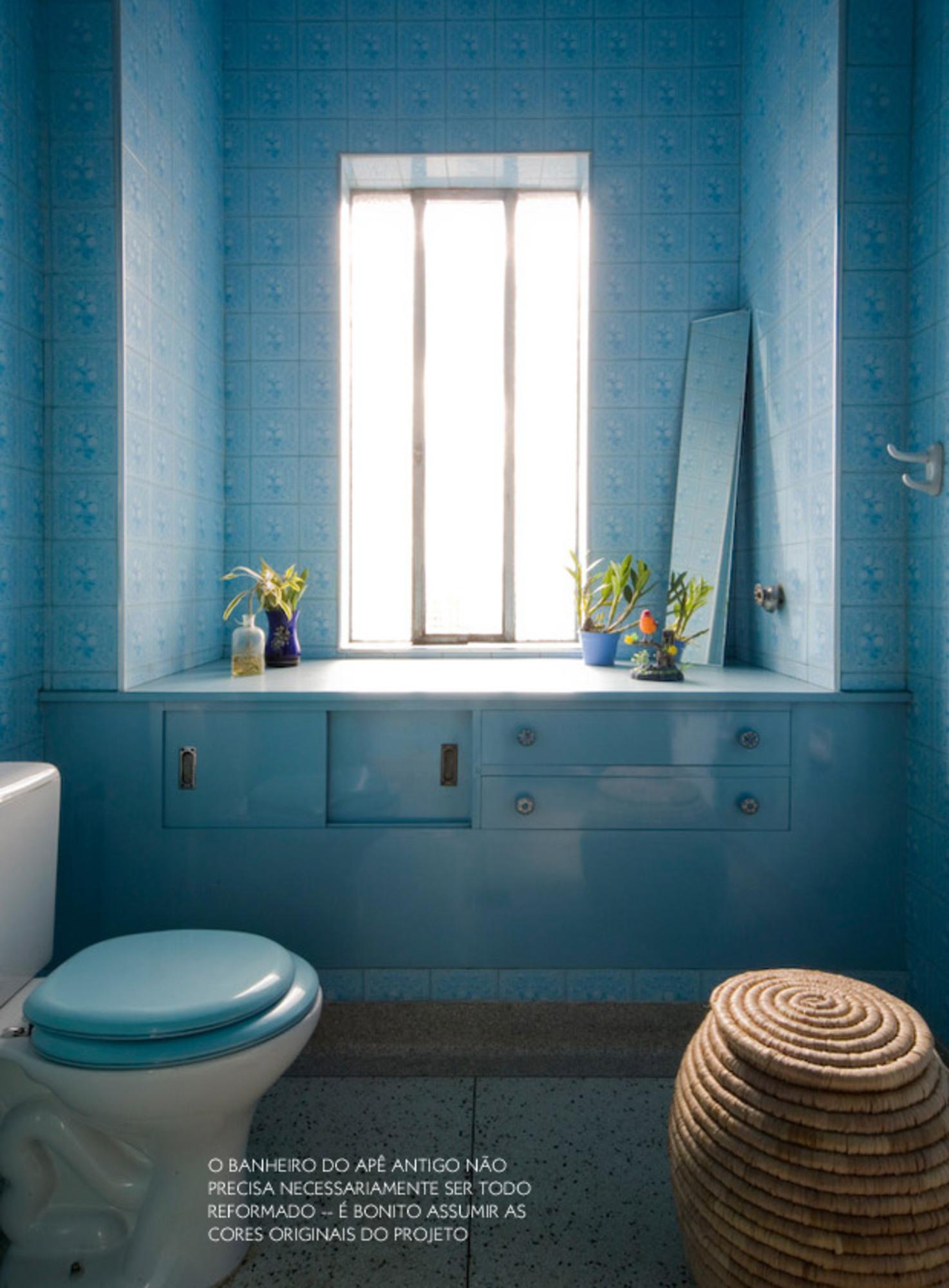 BANHEIROS COLORIDOS Casa de Valentina #184D60 1474x2000 Banheiro Cor Azul