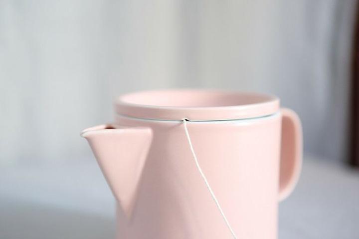 Chá da tarde, bule rosa