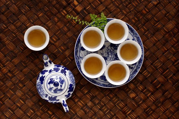 Chá da tarde, Jogo de chá de porcelana azul