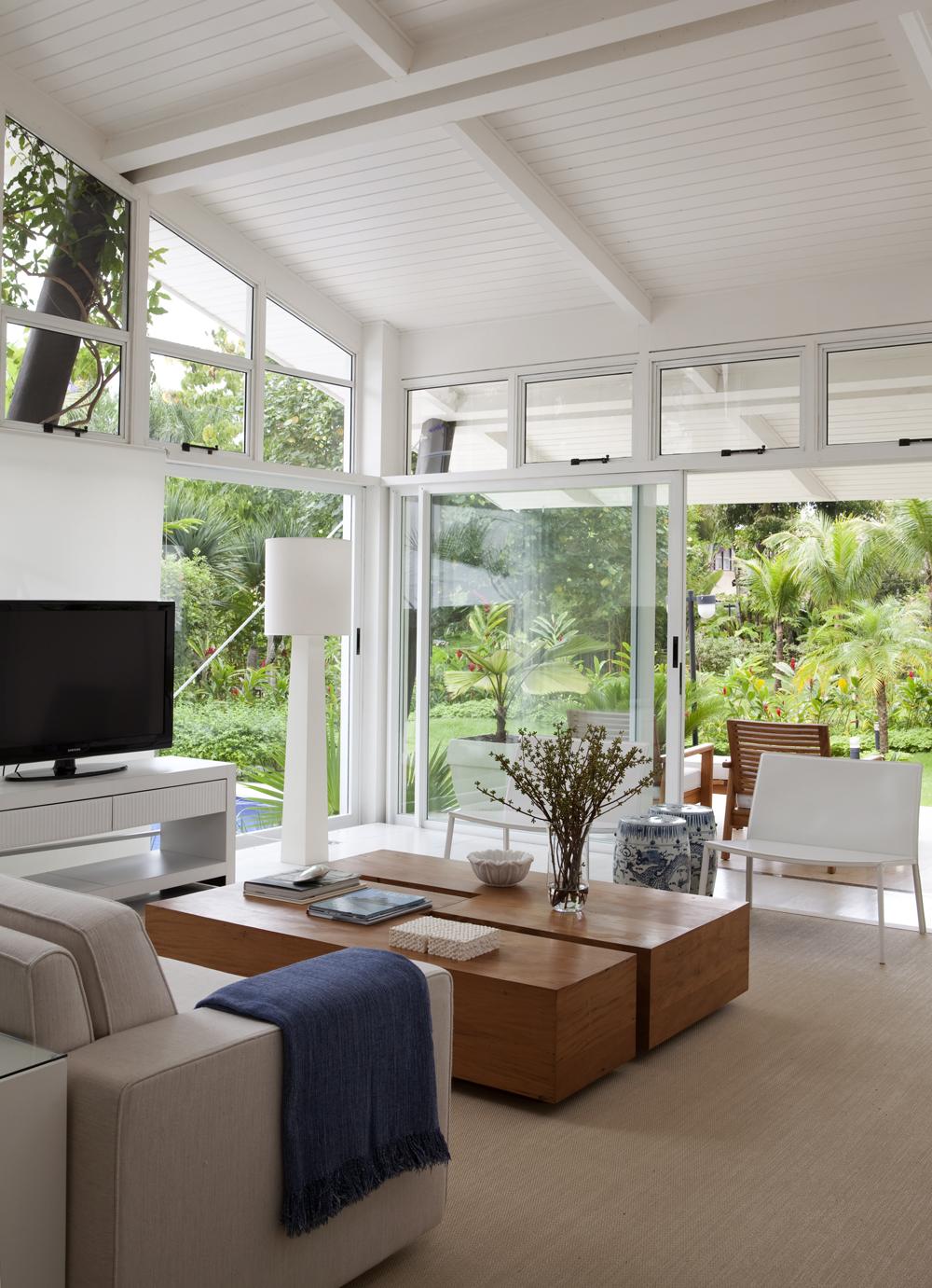 Decoração de: Sala de estar - detalhe; sofá