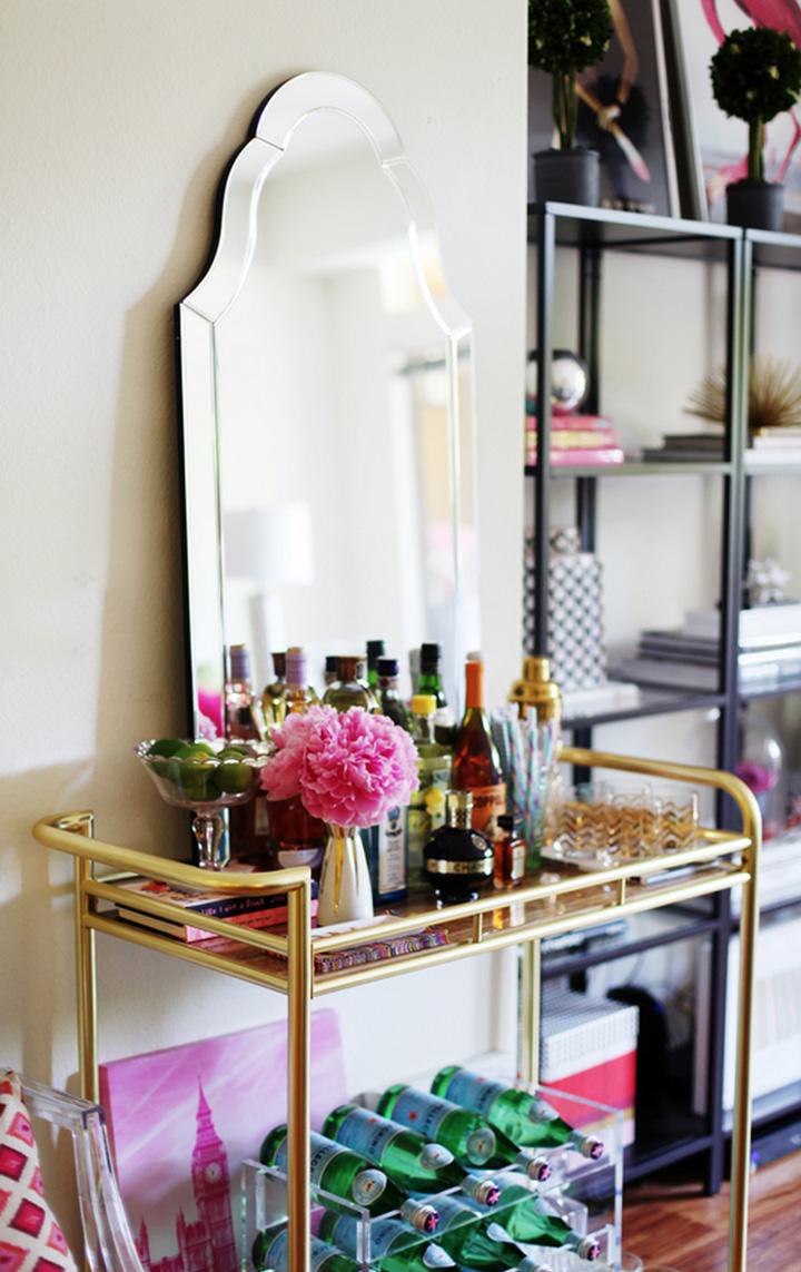 Decoração de: Detalhes  - carrinho dourado; Casa de Valentina