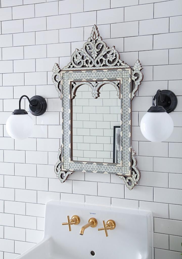 Decoração de: Banheiro - torneira dourada; Casa de Valentina