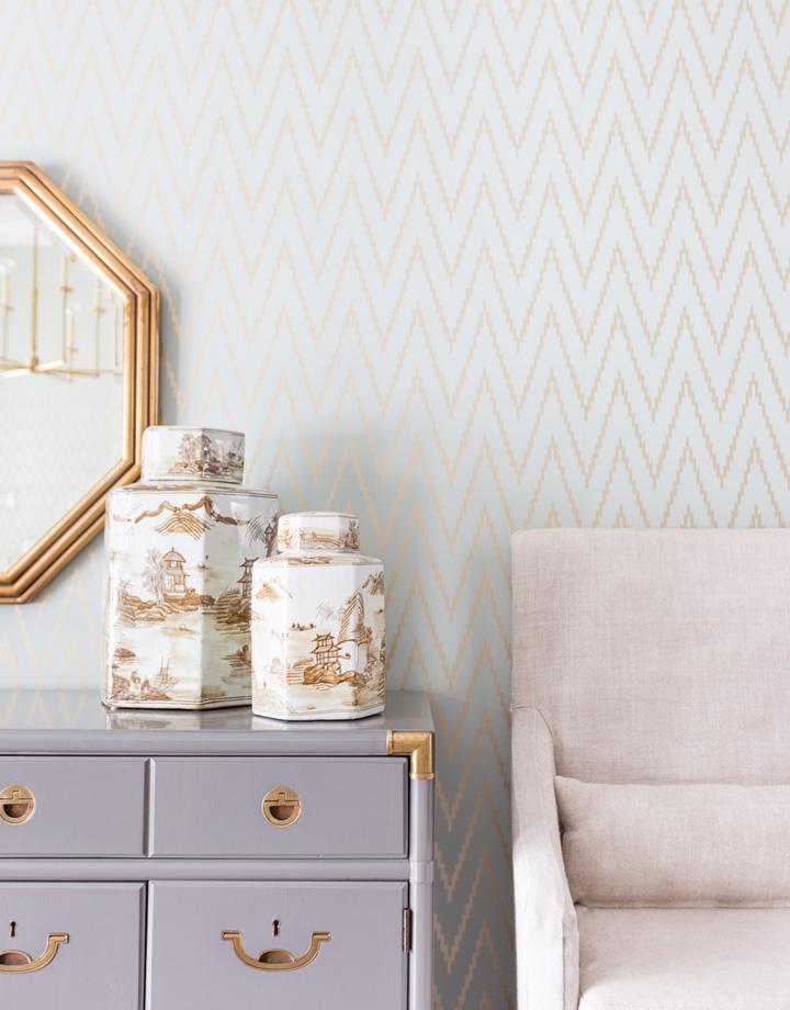 Decoração de: Detalhes  - cômoda lilás e dourada; Casa de Valentina