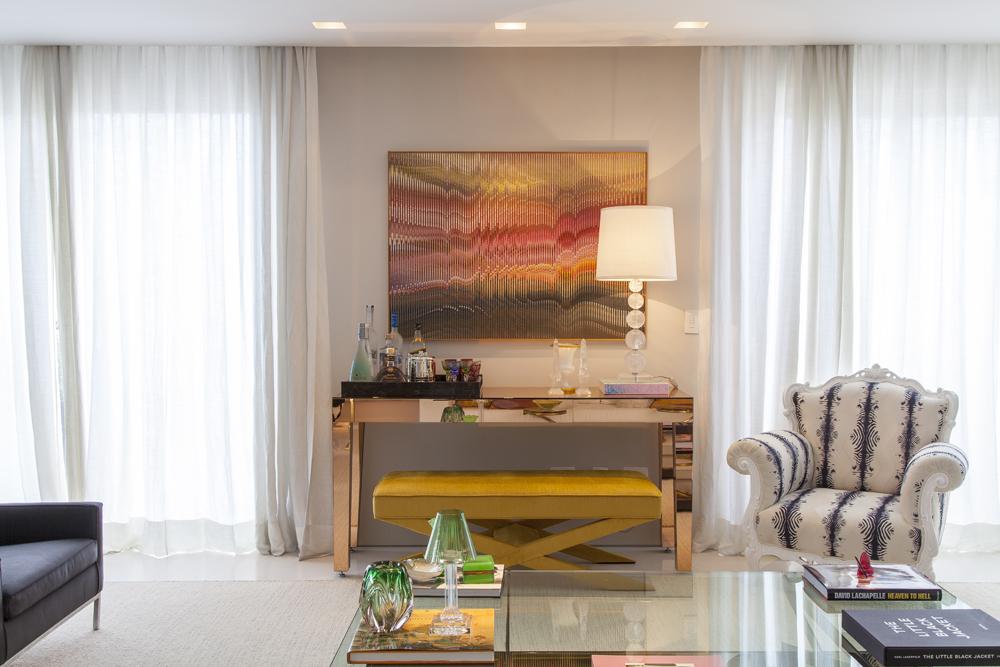 sala de estar; quadro laranja; Casa de Valentina