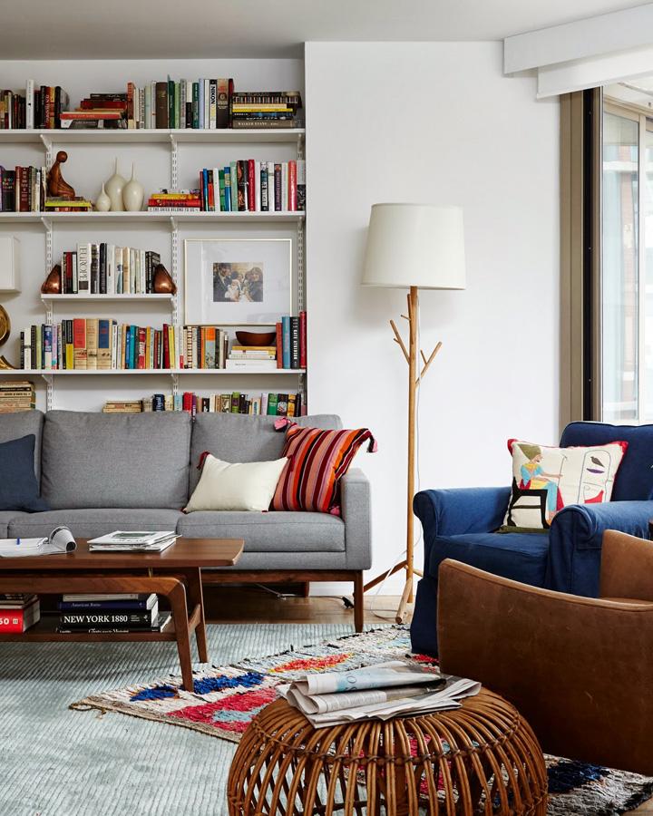 Decoração de: Sala de estar - sofá cinza; Casa de Valentina