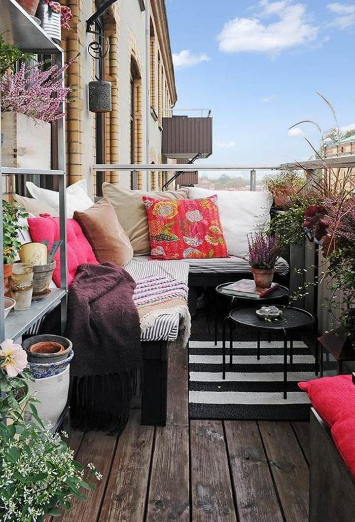 Decoração de: Varanda  - sofá branco; Casa de Valentina