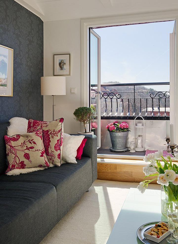 Decoração de: Sala de estar - almofadas floridas rosas; Casa de Valentina
