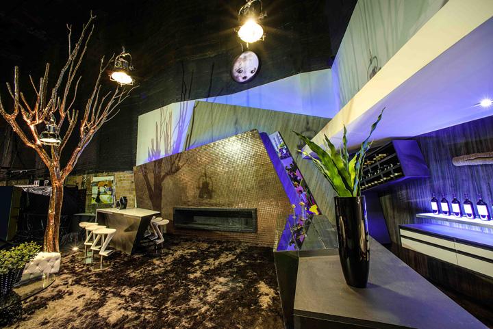 Decoração de: Sala de estar; banquetas brancas; Casa de Valentina