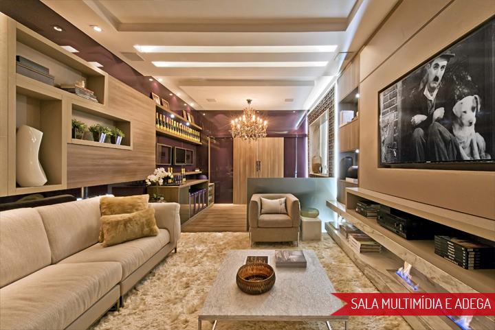 Decoração de: Sala de televisão; sofá bege; Casa de Valentina