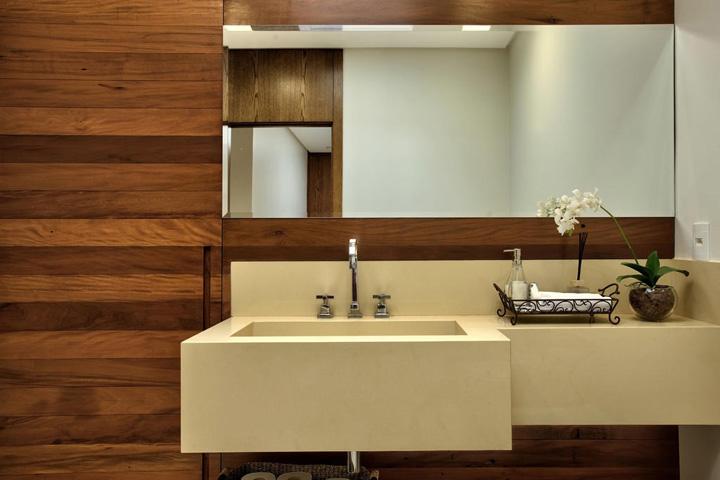 Decoração de: Banheiro; parede de madeira; Casa de Valentina