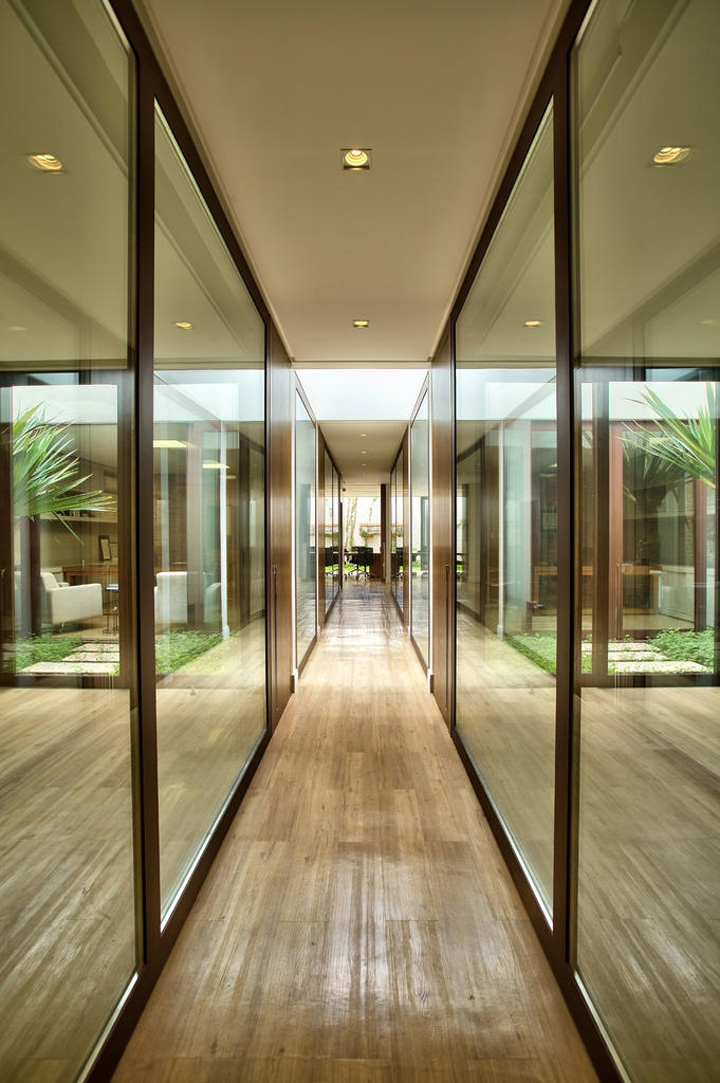 Decoração de: Detalhes; corredor; Casa de Valentina