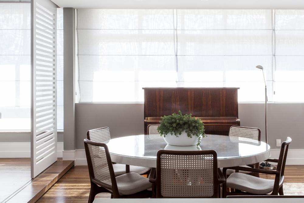 Decoração de: Sala de jantar; mesa redonda; Casa de Valentina