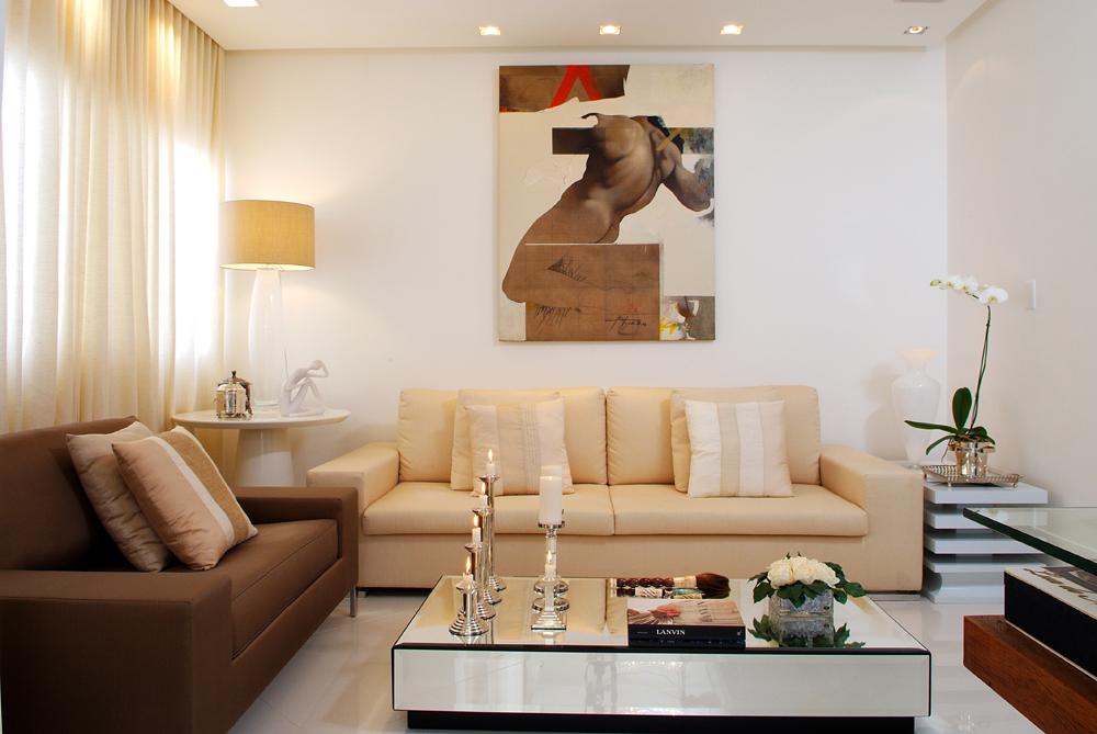 Decoração de: Sala de estar; obra de arte moderna; Casa de Valentina