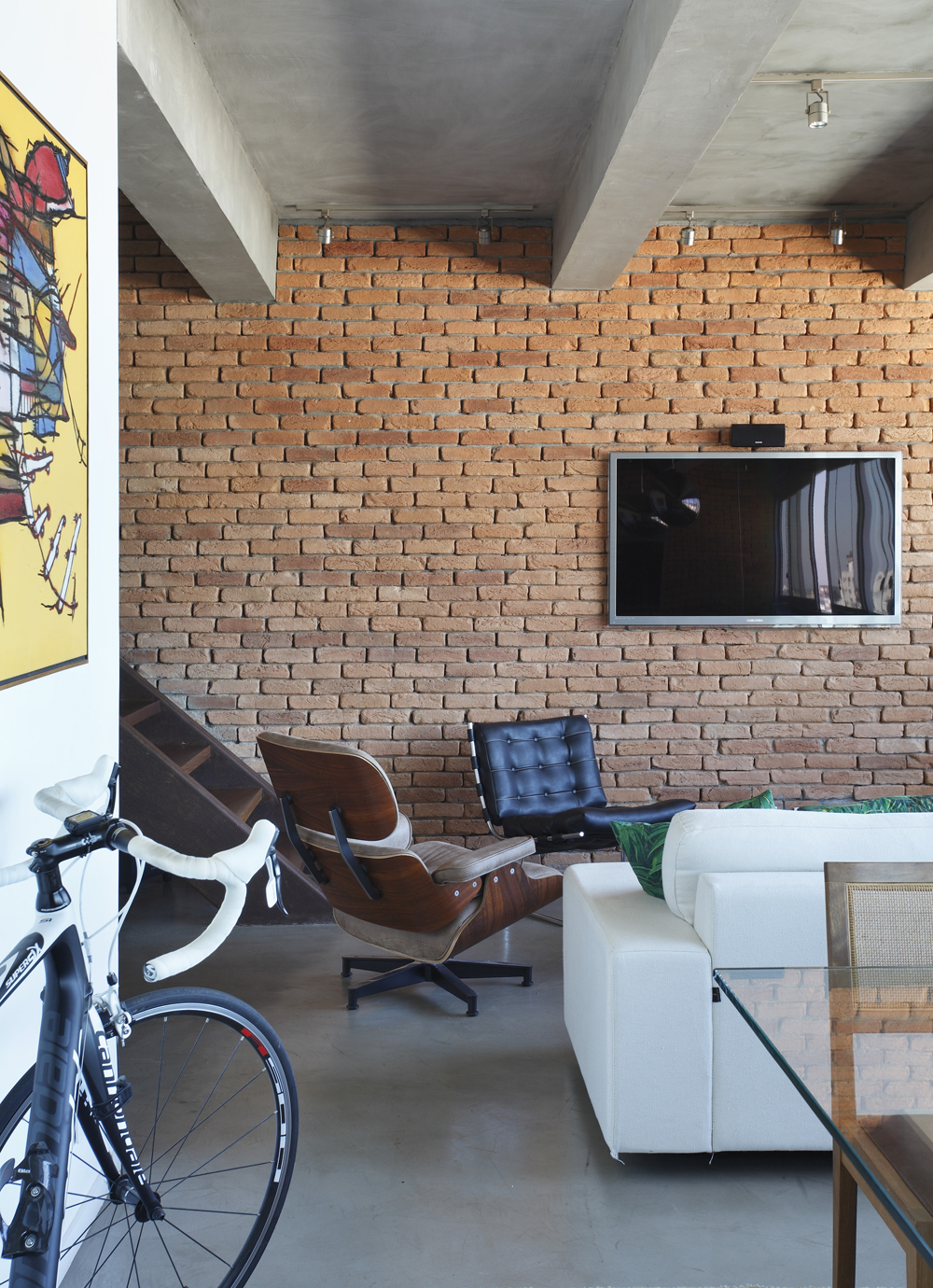 Decoração de: Detalhes; parede de tijolos aparentes;  Casa de Valentina
