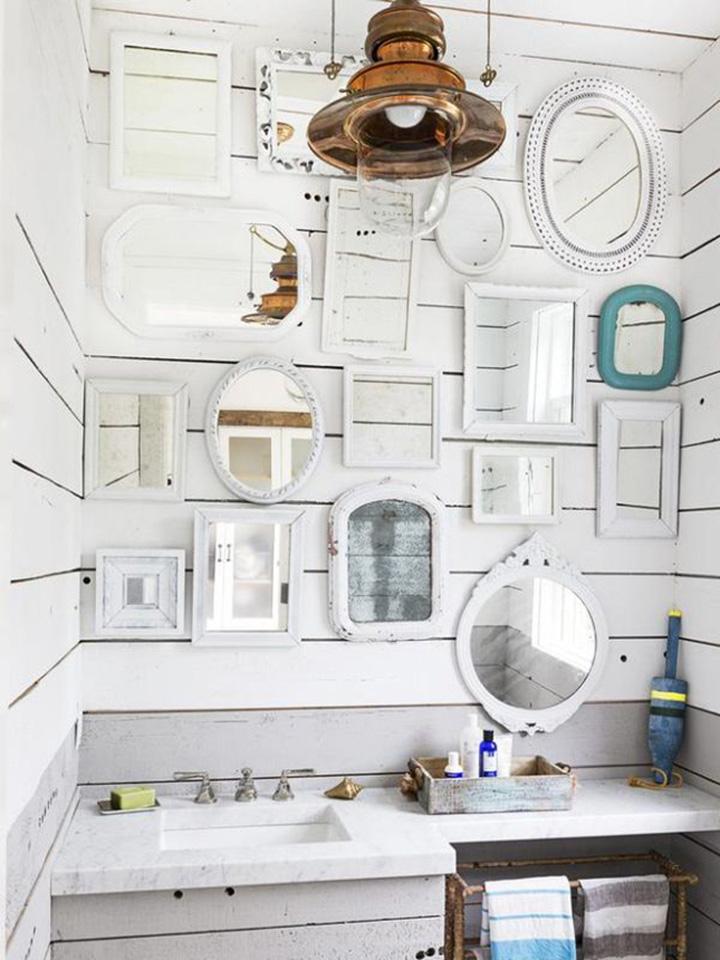 Decoração de: Banheiro; composição de espelhos; Casa de Valentina