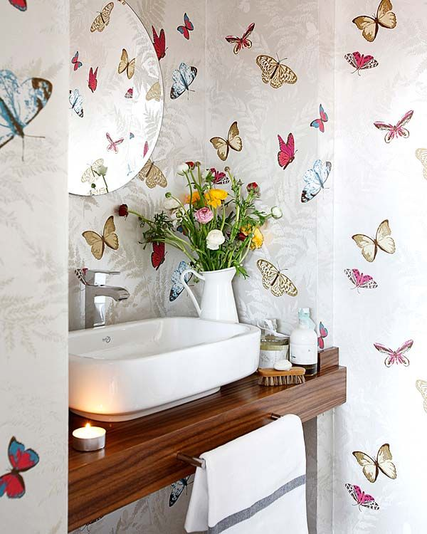 Decoração de: Detalhes; papel de parede de borboletas; Casa de Valentina