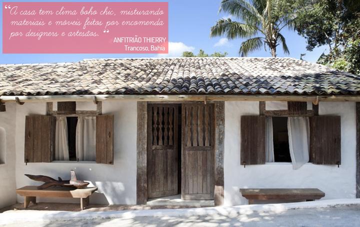 Decoração de: Fachada; banco de madeira rústico; Casa de Valentina