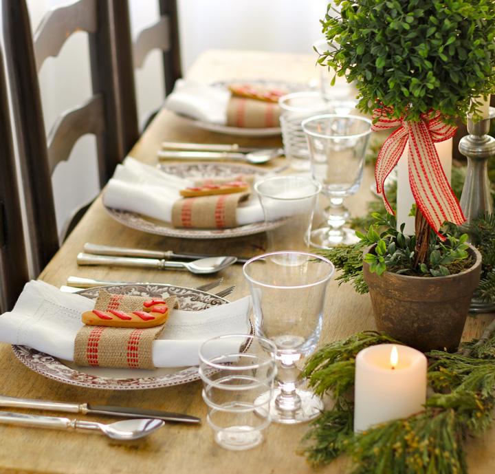 Decoração de: Detalhes; pratos de cerâmica desenhados; Casa de Valentina