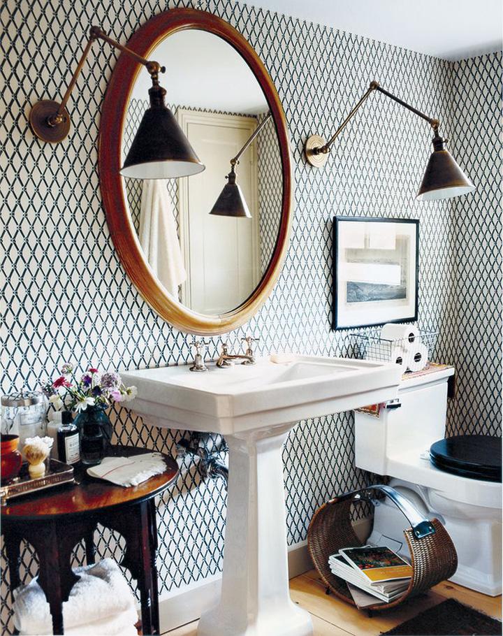 Decoração de: Banheiro; papel de parede verde e branco; Casa de Valentina