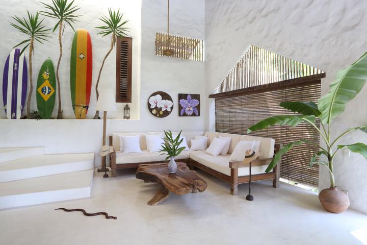 Decoração de: Sala de estar; pesiana de madeira; Casa de Valentina
