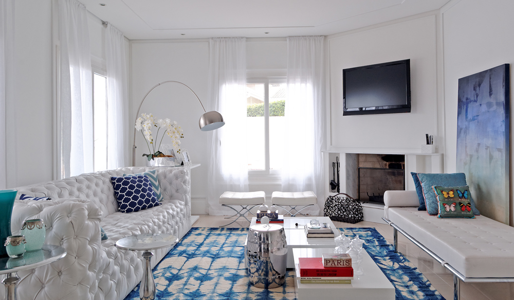 Azul no branco casa de valentina for Sala de estar off white