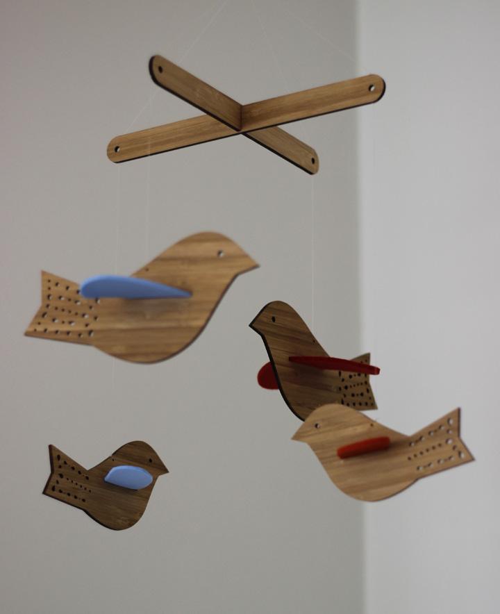 Decoração de: Detalhes; mobile de madeira; Casa de Valentina