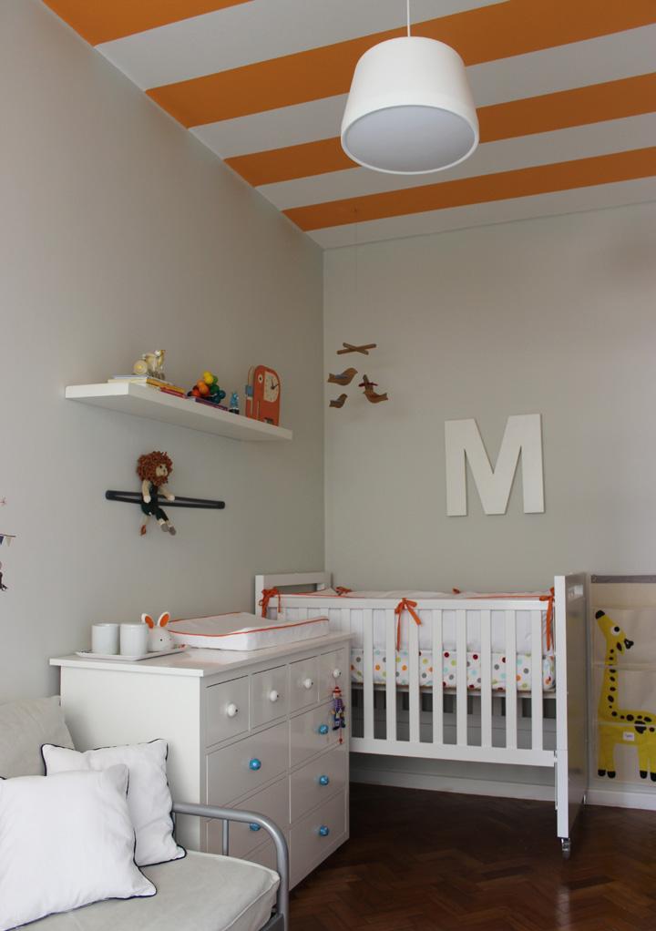 Decoração de: Quarto de bebê; parede bege; Casa de Valentina