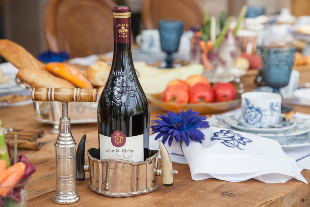 Decoração de: Detalhes; base para vinho; Casa de Valentina