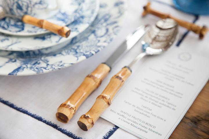 Decoração de: Detalhes; talheres com haste de bambu; Casa de Valentina