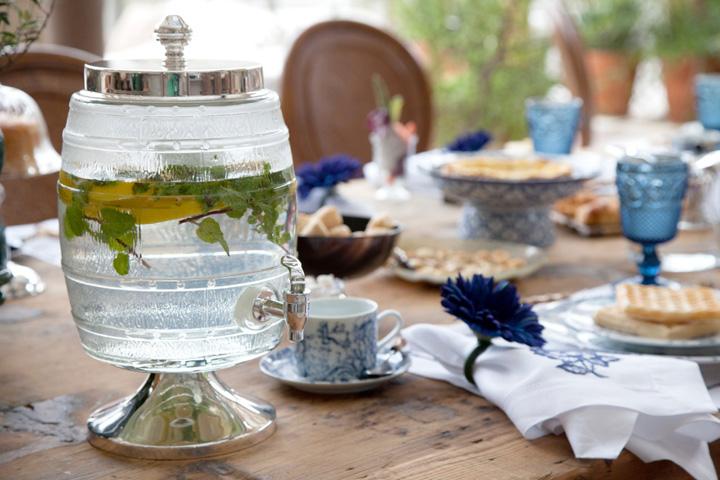 Decoração de: Detalhes; bebedoouro de vidro; Casa de Valentina