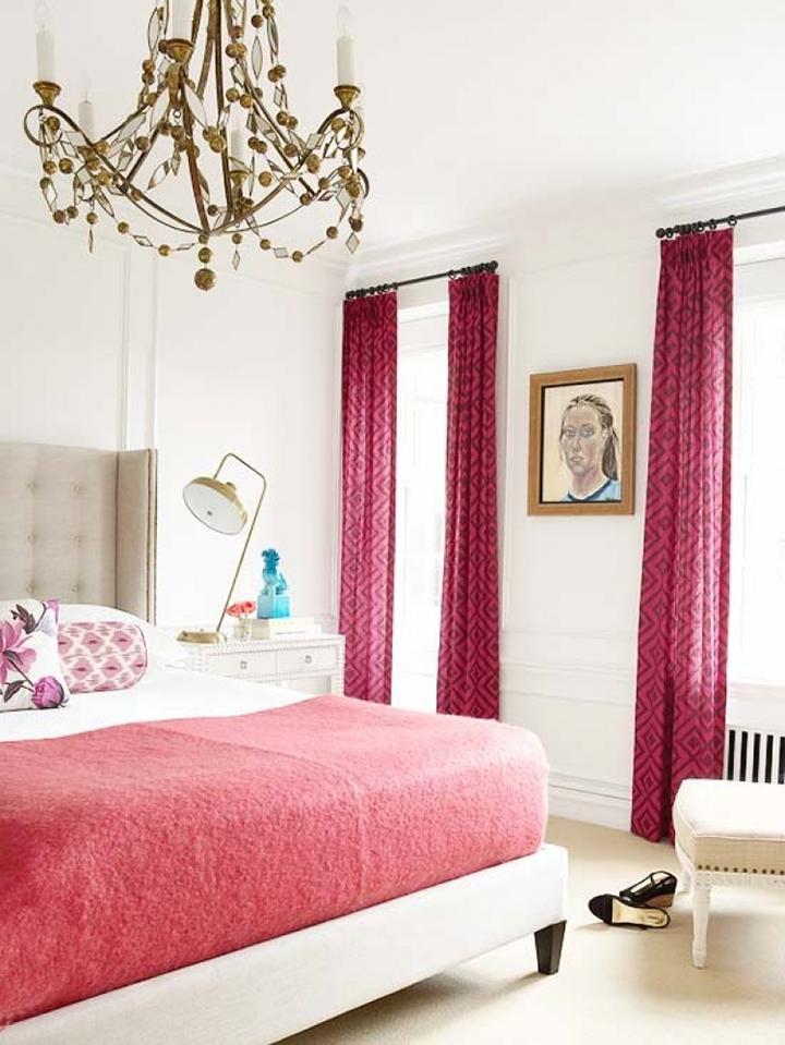 Decoração de: Quarto de casal; cortina estampada rosa; Casa de Valentina