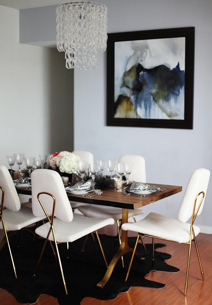 Decoração de: Sala de jantar; cadeira vintage branca e dourada; Casa de Valentina