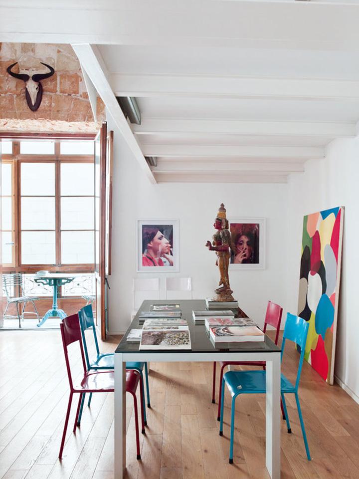 Decoração de: Sala de jantar; estátua indiana; Casa de Valentina