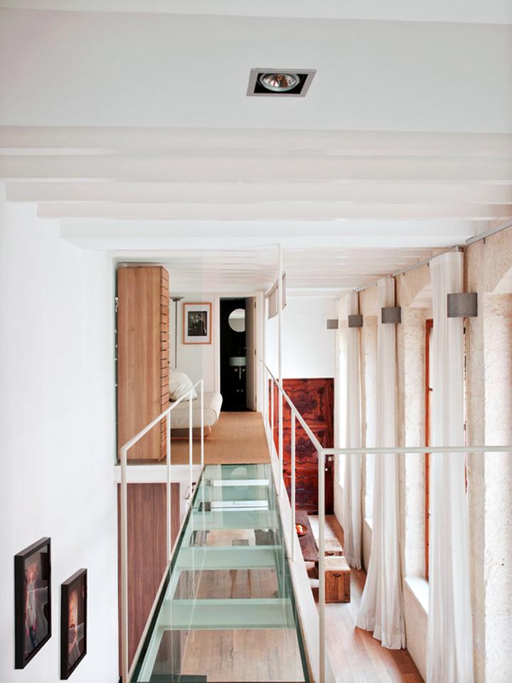 Decoração de: Corredor; passarela de vidro; Casa de Valentina