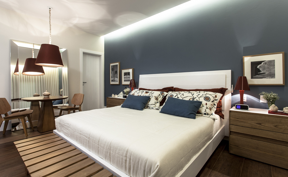 Decoração de: Quarto de casal; parede azul; Casa de Valentina