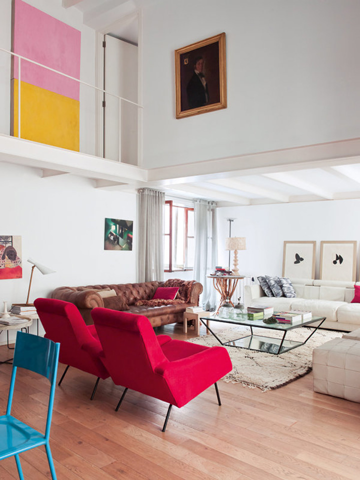 Decoração de: Sala de estar; cadeira azul; Casa de Valentina