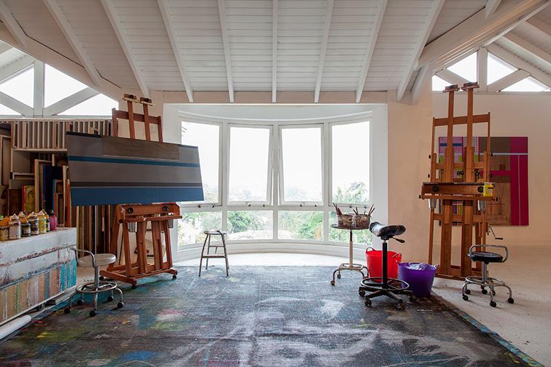 Decoração de: Home office; janela ovalada; Casa de Valentina