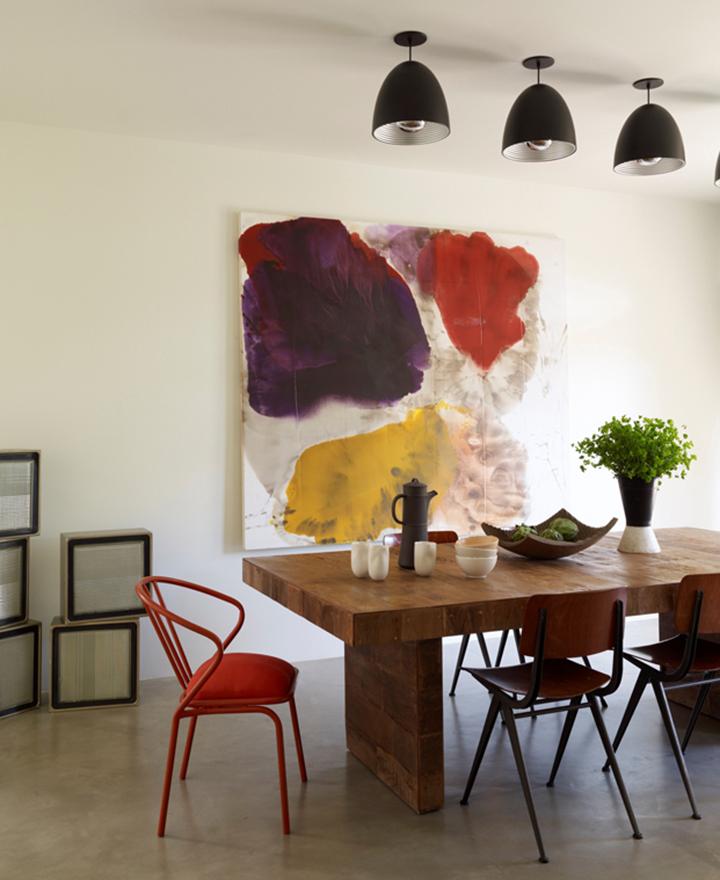 Decoração de: Sala de jantar; cadeira vermelha;  Casa de Valentina