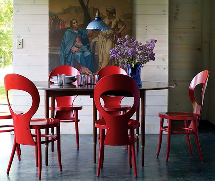 Decoração de: Sala de jantar; cadeiras vermelhas;  Casa de Valentina