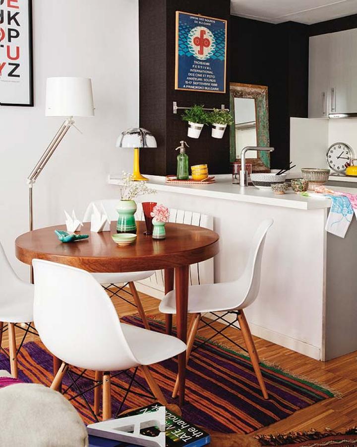 Decoração de: Sala de jantar; cadeira Eiffel branca;  Casa de Valentina
