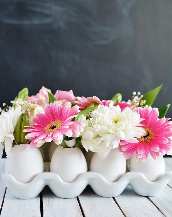 Decoração de: arranjo de flores no ovo;  Casa de Valentina