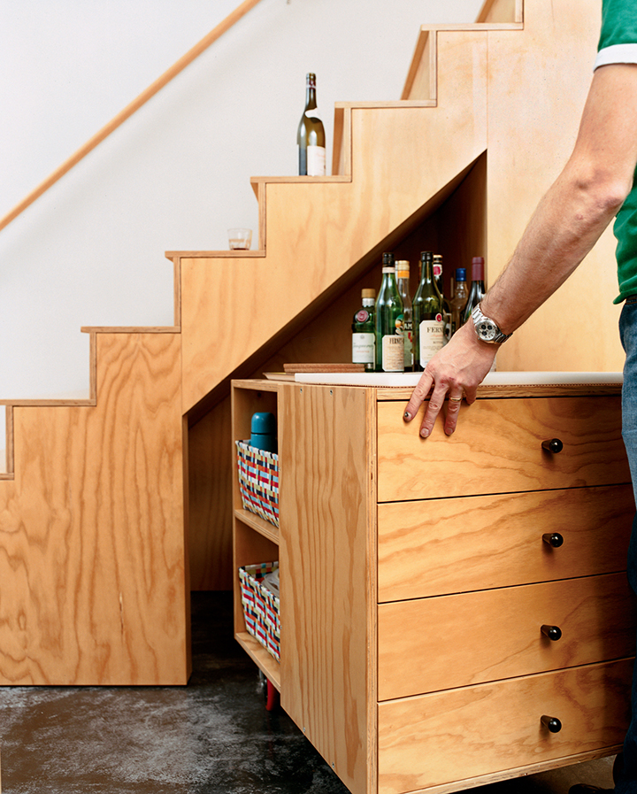 Decoração de: Detalhes; escada sob medida; Casa de Valentina