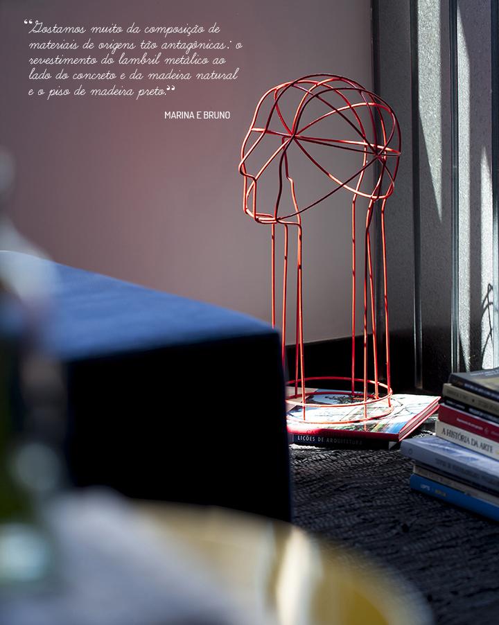 Decoração de: Detalhes; escultura aramada vermelha; Casa de Valentina