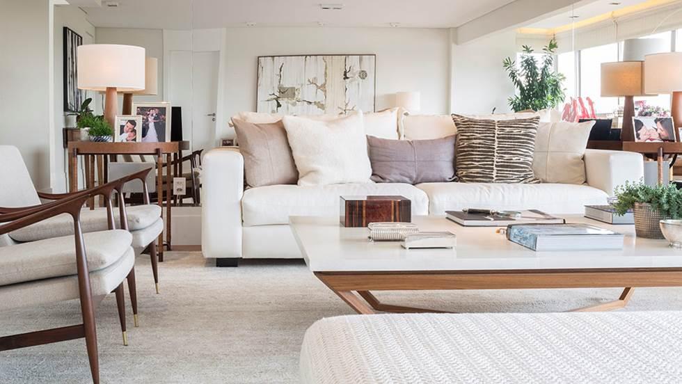 Decoração de: Sala de estar; poltronas com pé palito; Casa de Valentina