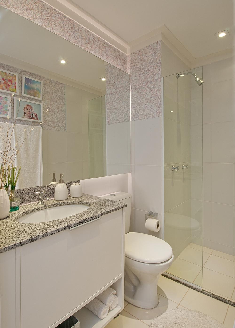 Decoração de: Banheiro; azulejo trabalhado; Casa de Valentina