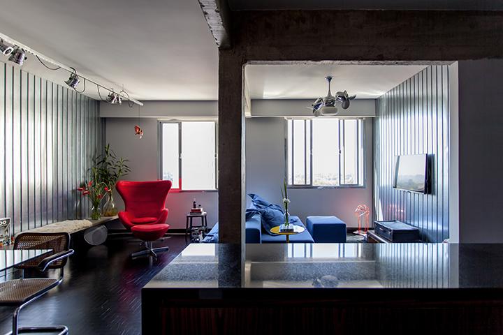 Decoração de: Sala de estar; piso de madeira preto; Casa de Valentina