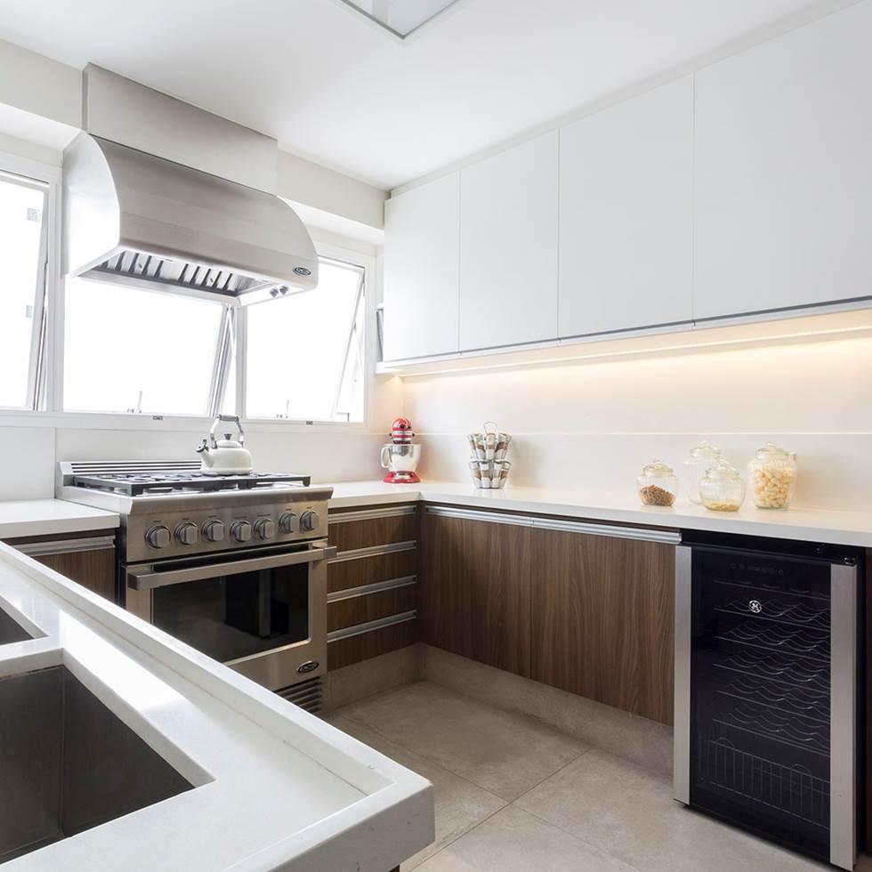 Decoração de: Cozinha; fogão industrial; Casa de Valentina