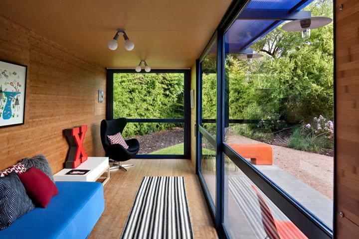 Decoração de: Fachada; sofá azul; Casa de Valentina