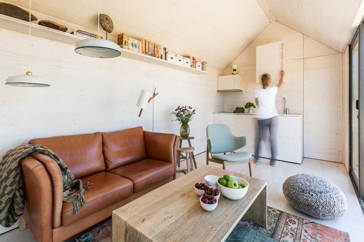Decoração de: Sala de estar; sofá de couro; Casa de Valentina